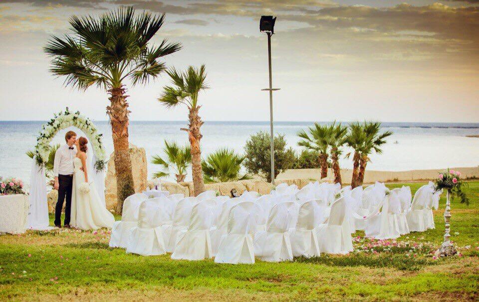 реальное фото символической свадьбы на Кипре
