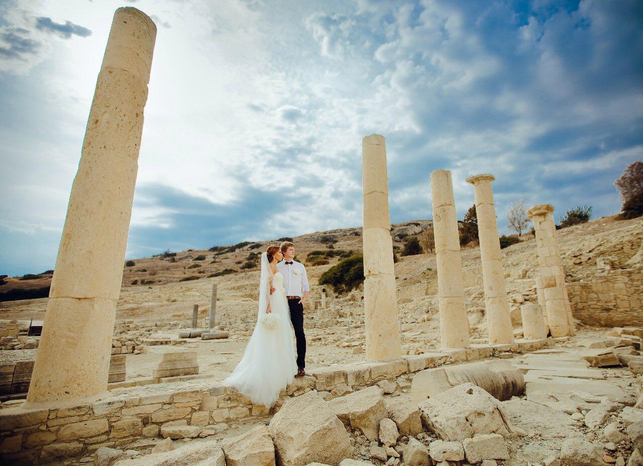 свадебная символическая церемония в необычном месте